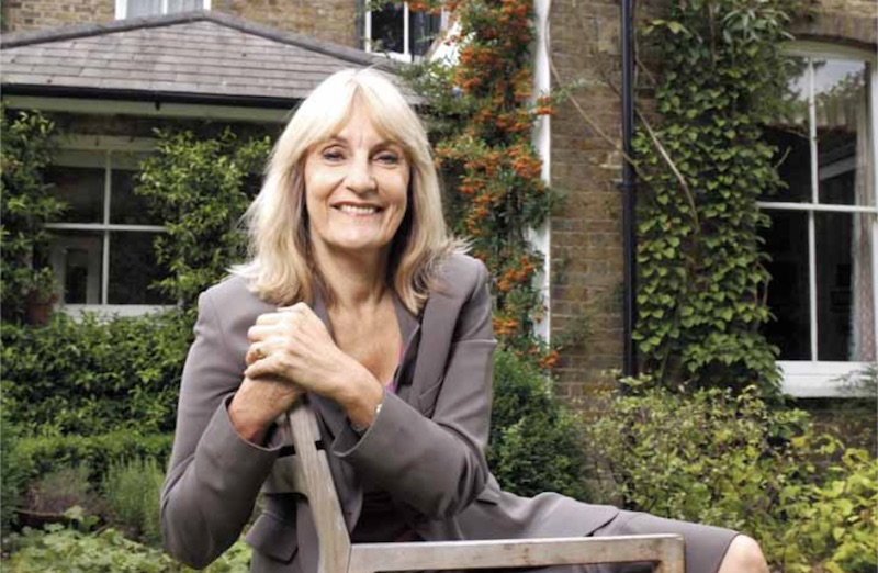 Lynn Faulds Wood: consumer rights watchdog who took up the cause of cancer patients