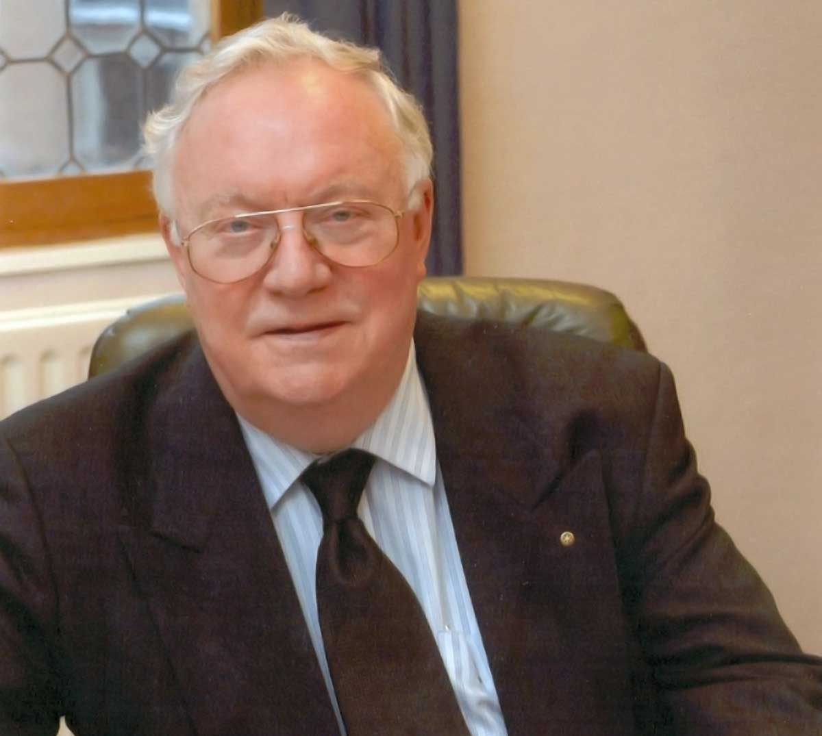 In memoriam Louis Denis